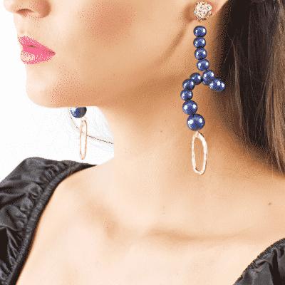 Swan earrings in blue