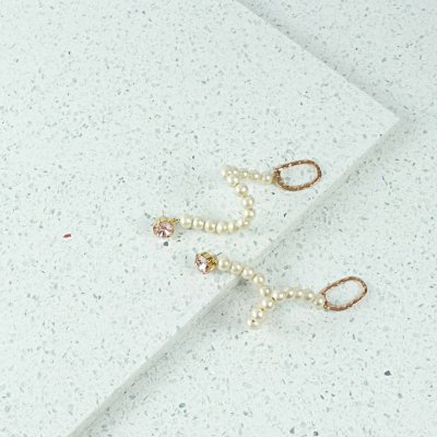 cream pearl swan earrings